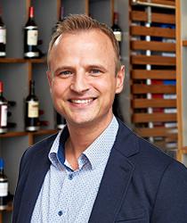 Michael Hübler aus dem Ludwig von Kapff Weinlager Stade.