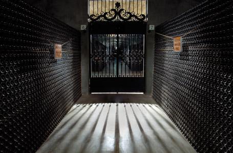 Die Weinkellerei der Bodegas Montecillo in Fuenmayor.